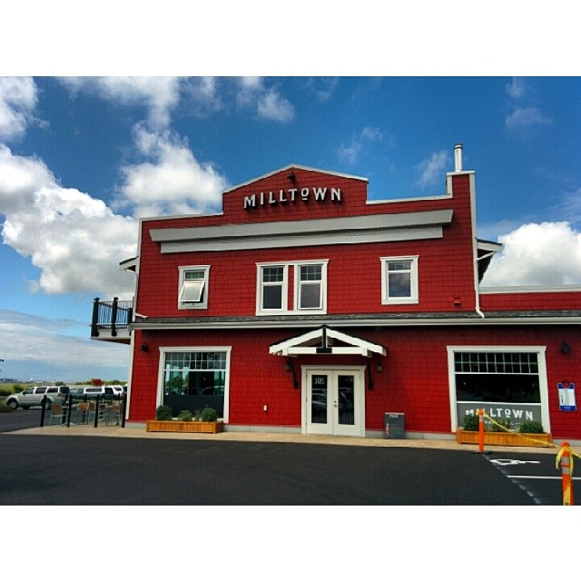 Milltown Bar and Grill
