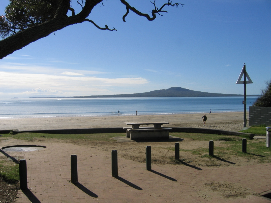 Takapuna Beach. Photo - mymidnightmoon.com
